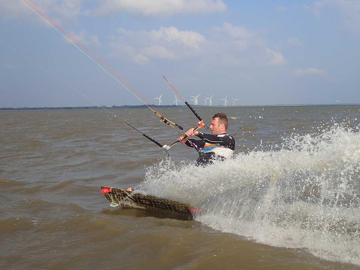 kitesurfing_blaavand